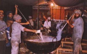 Cooks attending the dahl